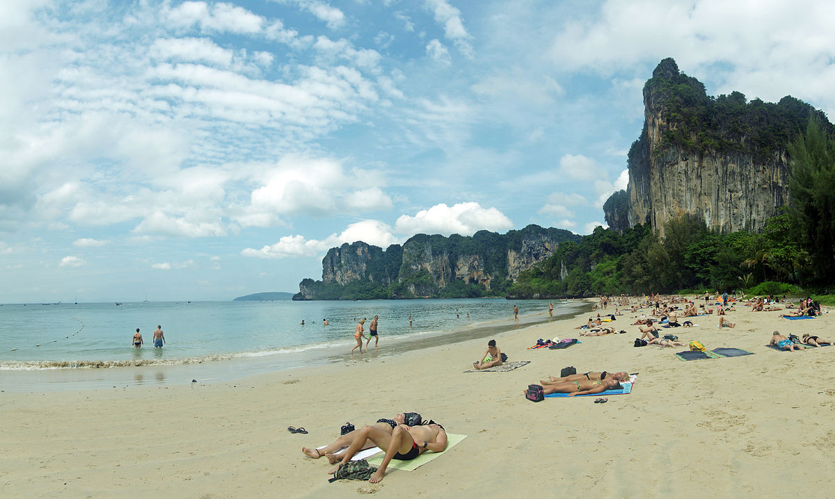 Those looking for a truly beautiful beach should include Railay on their Thailand itinerary ... photo by CC user kallerna in wikimedia